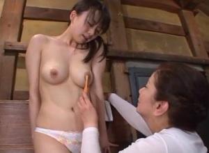 【羽月希 岩崎千鶴】レズビアン姑にレズ調教されちゃう美人の嫁