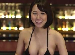 【篠田ゆう】教室で男子生徒をフェラ抜きごっくんしちゃうエッチな女教師