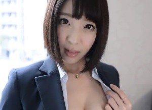 パンストを履いた美女OLと着衣セックス