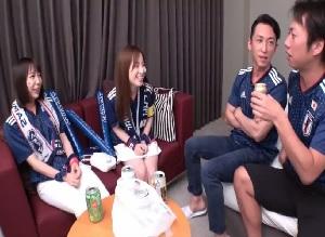 日本代表の勝利で盛り上がる美女サポーターをナンパしてホテルで乱交開始