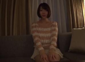 菊川みつ葉 ショートカットの美人お姉さんと激しいSEX