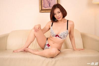 HITOMI 19-06-15 朝ゴミノーブラ奥さん 010