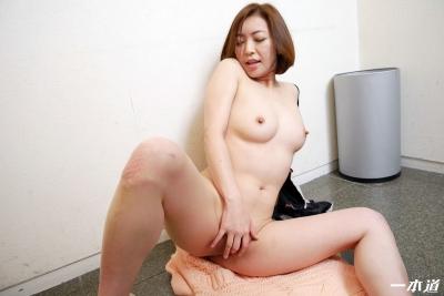 HITOMI 19-06-15 朝ゴミノーブラ奥さん 016