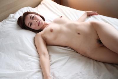 HITOMI 19-08-01 美熟女にブッカケる 005