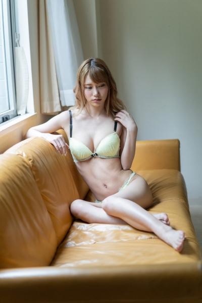 如月結衣 2020-01-01 新人Debut 01 (12)