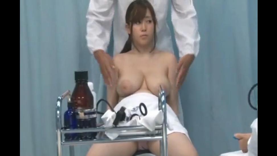 Fカップの爆乳素人OLにニセ医者がイタズラ!パイズリに乳揺れファックとおっぱいフェチ必見!