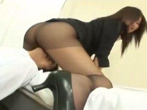 女教師黒パンスト顔面騎乗