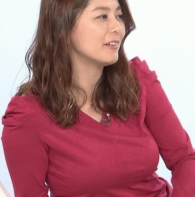 【乳揺れGIF】NHK 杉浦友紀アナの伝説のロケットお●ぱいで抜きたいヤツはちょっと来い!