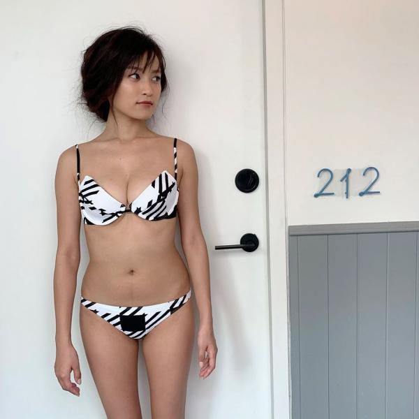 【画像】小島瑠璃子の体型シコリティたけ