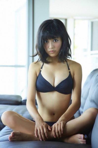 【朗報】小島瑠璃子(23)、隠れDカップがEカップに急成長!