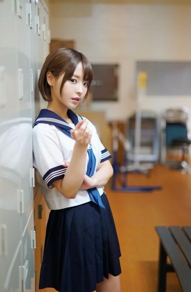 【画像】A●女優・桃乃木かなのセーラー服姿がいくらなんでも可愛すぎる