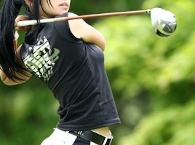 【エンタメ画像】【画像】ミニスカートでゴルフしちゃう女子ゴルファー、シコリティ高すぎだろ♪♪♪♪♪♪♪♪♪♪
