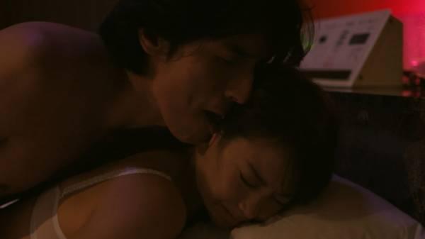 【エンタメ画像】【画像】元AKB48・永尾まりや、えっちシーンで乳を揉まれまくる♪♪♪♪♪♪♪♪♪