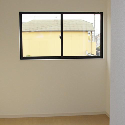 腰窓か掃き出し窓か?①