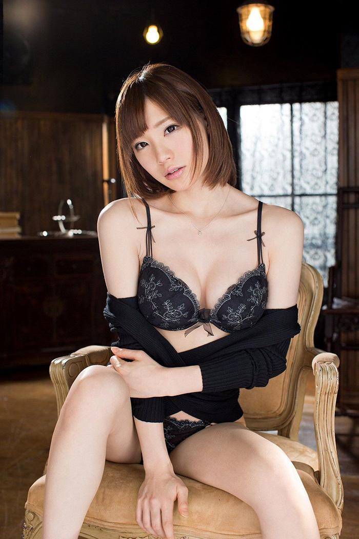 鈴村あいり エロ画像 23