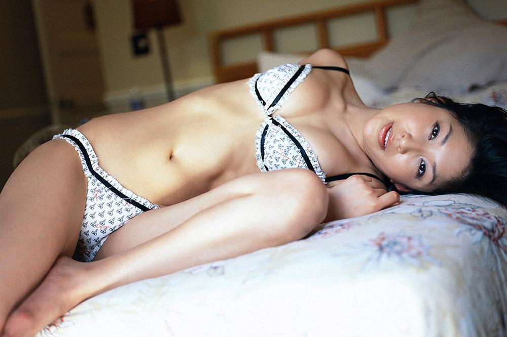 綺麗なお姉さん エロ画像 26