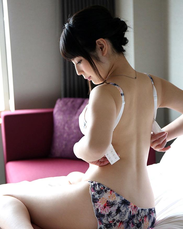 綺麗なお姉さん エロ画像 50