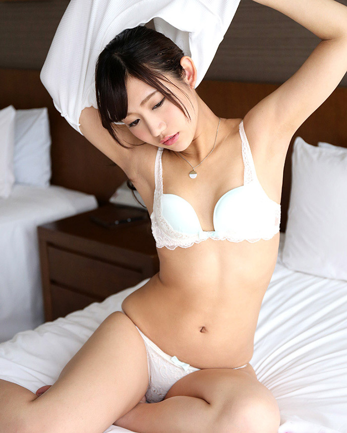 綺麗なお姉さん エロ画像 23
