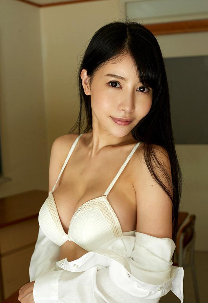 綺麗なお姉さん エロ画像 15