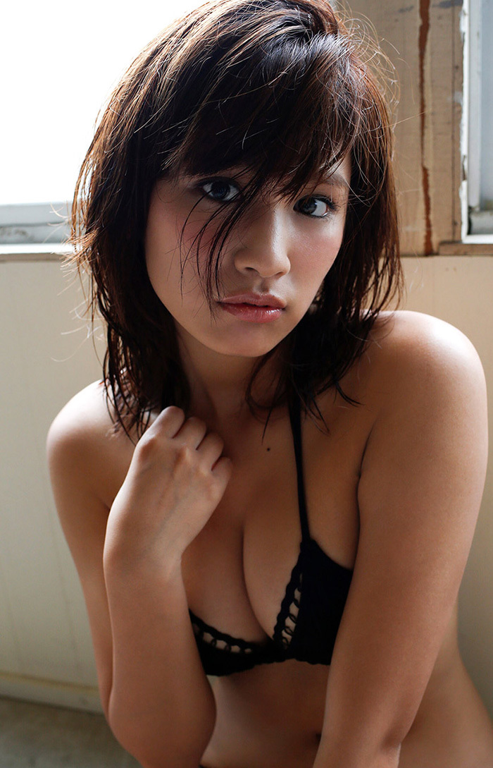 綺麗なお姉さん エロ画像 12