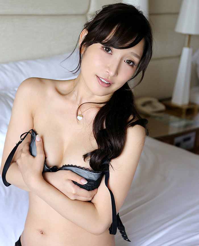 綺麗なお姉さん エロ画像 45