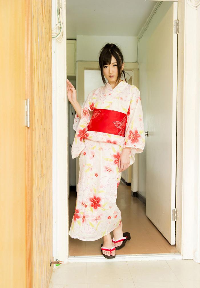 大槻ひびき 浴衣 エロ画像 1