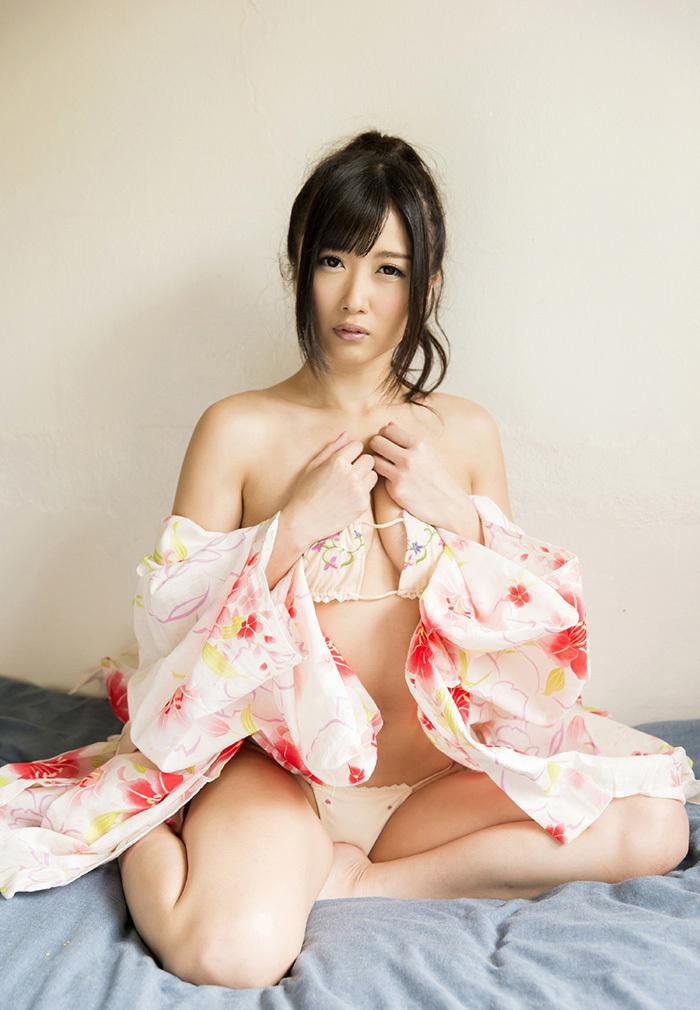 大槻ひびき 浴衣 エロ画像 15