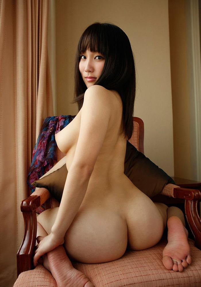 座り尻 エロ画像 14
