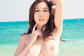 JULIA きれいな巨乳は好きですか?