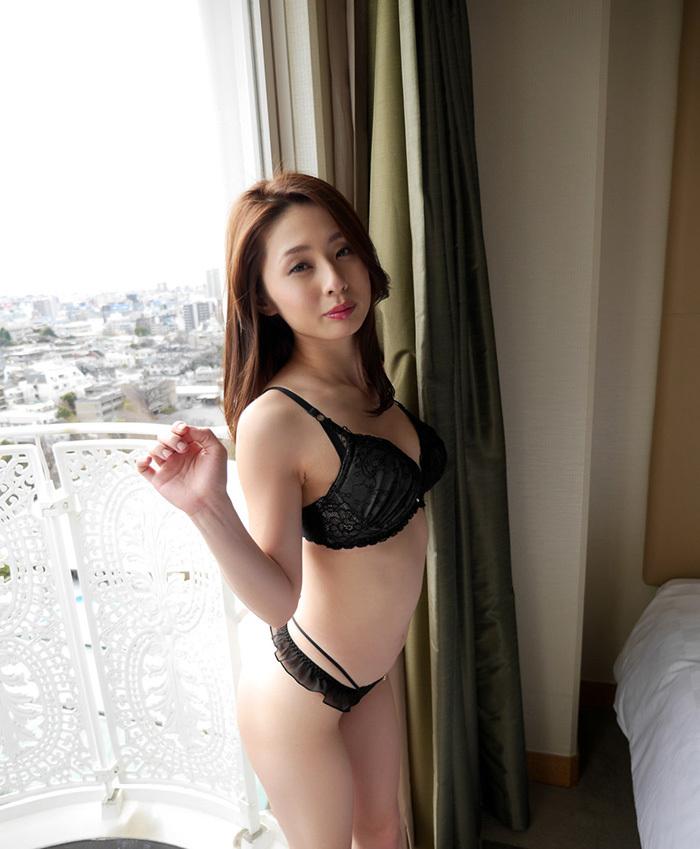 前田可奈子 セックス エロ画像 14