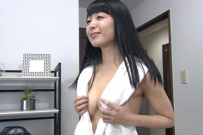 (七海なな)タモリ倶楽部で風呂上がり姿(ブラなし)
