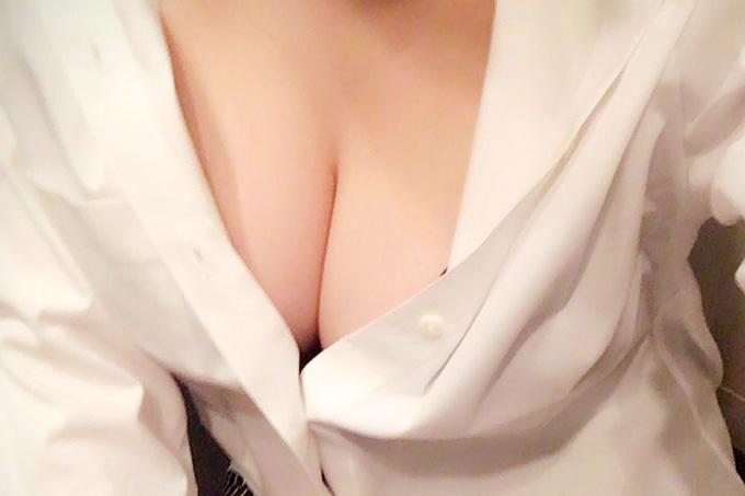 (谷間)挟まれたい☆ぱふぱふされたい☆(お乳)