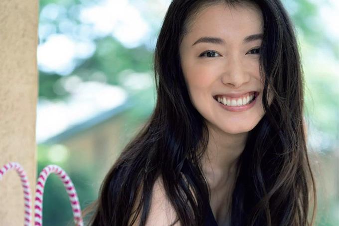 【藤岡麻美】台湾でもっとも有名な日本人女優の凱旋グラビア【女優】