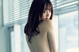 """江野沢愛美 ファッション界随一の""""愛されフェイス""""と芸術的な美しいカラダ"""