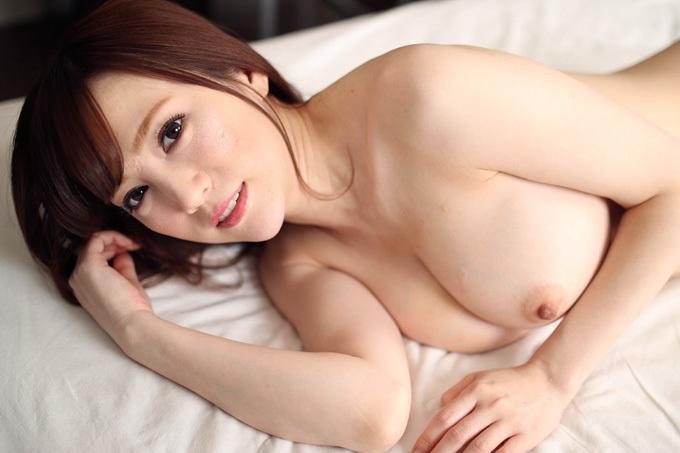 【すみれ美香】美巨乳の綺麗なお姉さんに生ザーメン注入【AV】