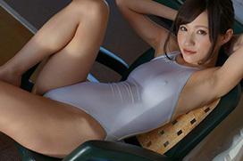 天使もえ ローションで透け透けな白い競泳水着。画像×40