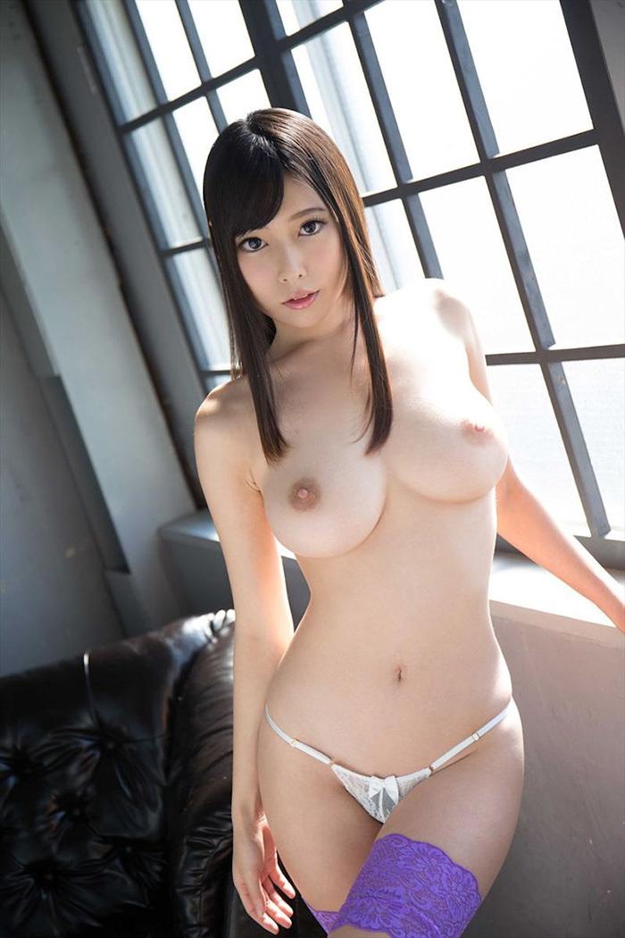 美乳 エロ画像 29