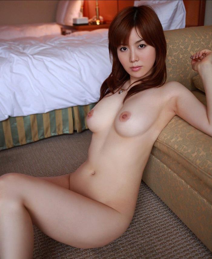 美乳 エロ画像 32