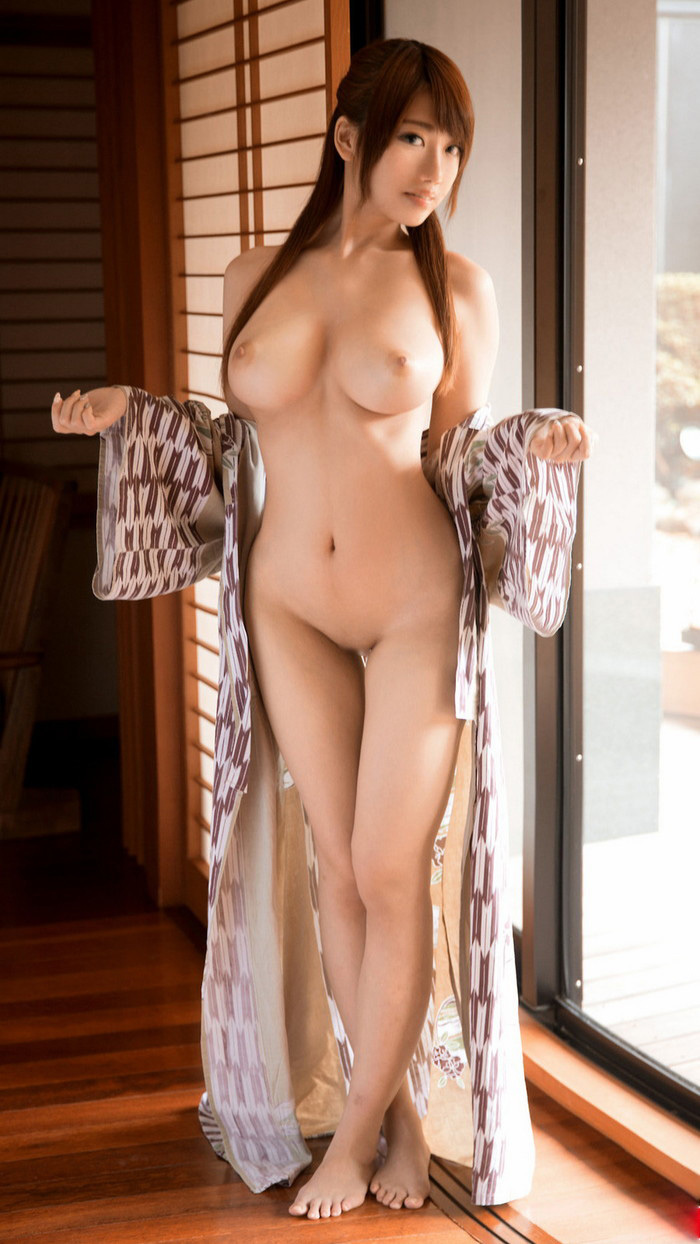 美乳 おっぱい エロ画像 14