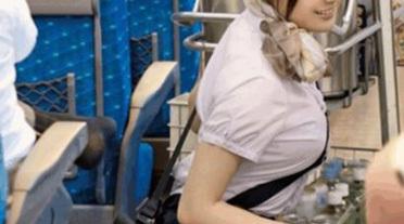 【画像あり】新幹線の売り子エロすぎwwwwwwwwwww
