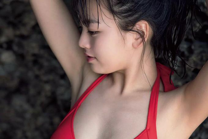 【伊原六花】バブリーダンスの元キャプテンの水着姿【グラビア】