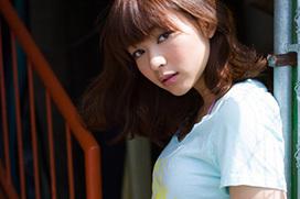 仮面ライダー俳優・竹内涼真と熱愛報じられたモデル里々佳の半裸オッパイが性的すぎるw