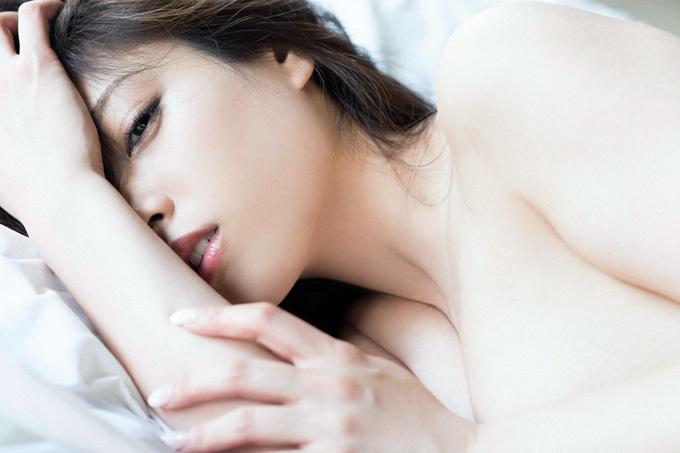【野田彩加】綺麗な肌を限界露出【グラドル】