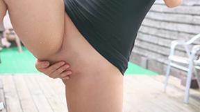 下半身だけ裸のエロ画像 part4