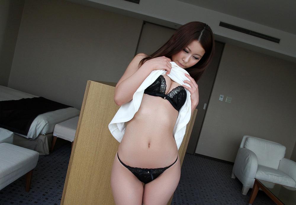 谷間 エロ画像 16