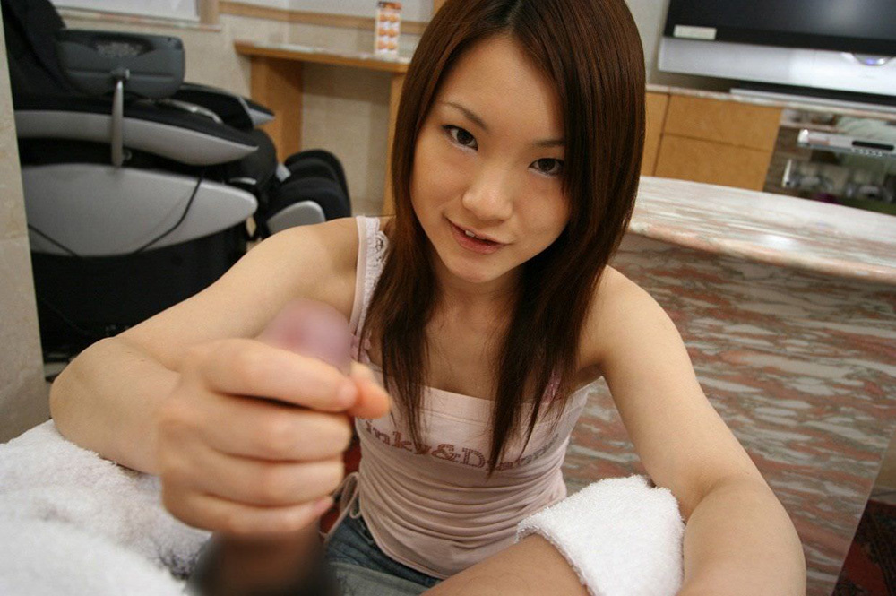 手コキ エロ画像 24