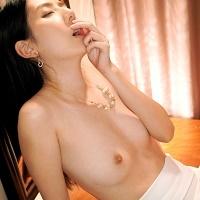 清楚系の女の淫乱スイッチをおして快感大好きセックスをやらせるwwwwww