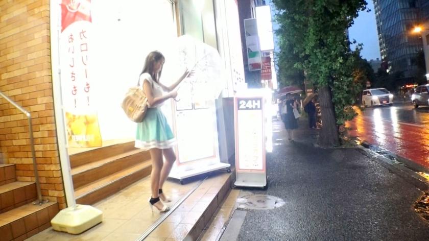 ヒトカラしてるような女のナンパ成功率wwwwwでもガチ勢はあかんぞ…こういう雨宿りしてる子を狙え!