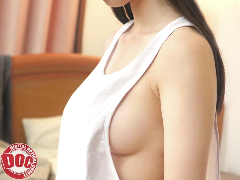 メンズのタンクトップを着た女のエロさは異常wwww巨乳なら尚良しwwwww