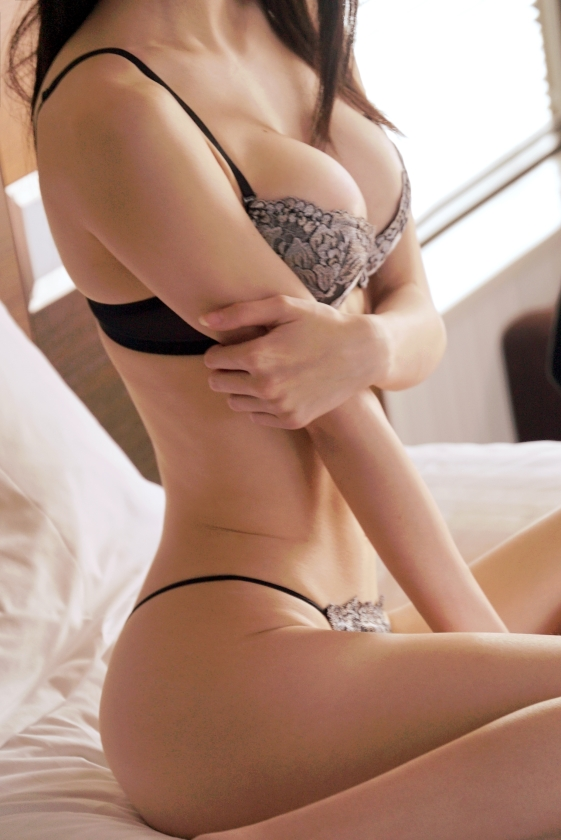 とある局のお天気お姉さんがAVにwwwwやっぱ美人で良い体してんなぁwwww